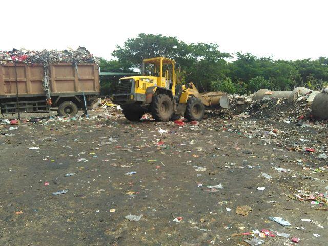 Hari Ini, Tumpukan Sampah Jalan Waduk Cincin Sudah Bersih