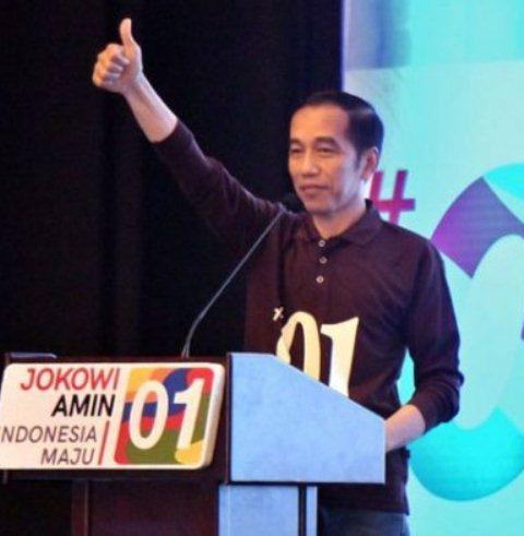 Capres Jokowi Ajak Relawan Tepis Isu Fitnah